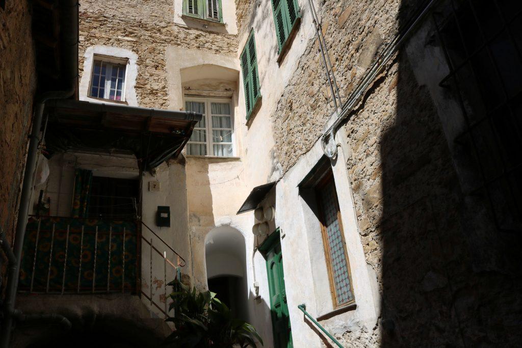 San Biagio della Cima (IM): Via Torre