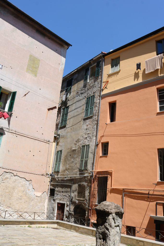 Ventimiglia (IM): Piazzetta delle Erbe e Via Giudici