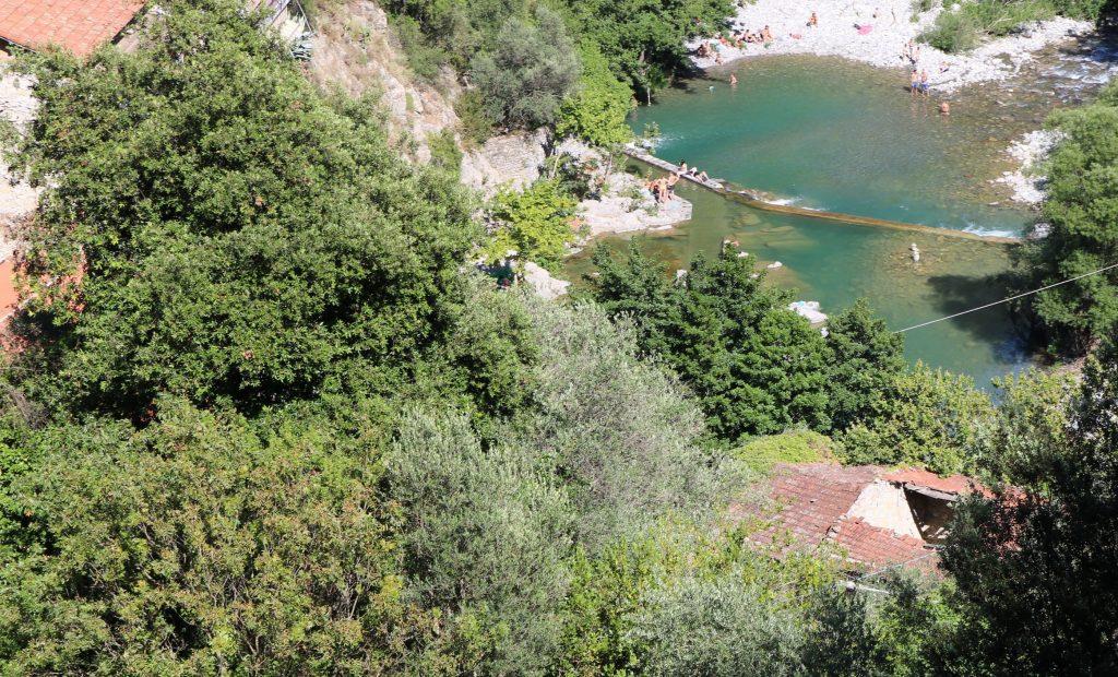Airole (IM): un laghetto del fiume Roia