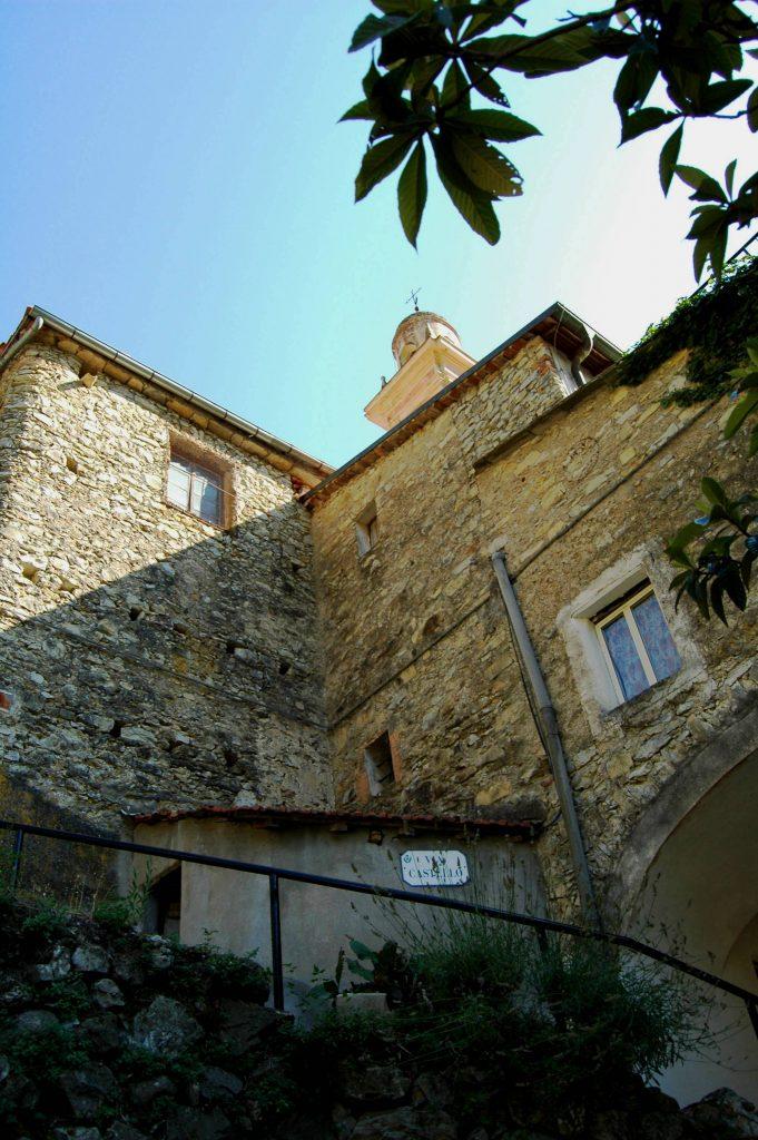 Fanghetto, Frazione di Olivetta San Michele (IM): Via Castello